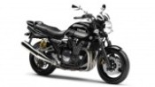2011-yamaha-xjr1300-eu-midnight-black-studio-001