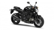 2013-yamaha-fz1-eu-midnight-black-studio-001